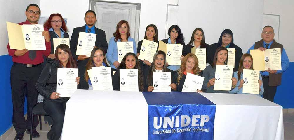 Reciben su título 26 nuevos profesionistas egresados de la UNIDEP